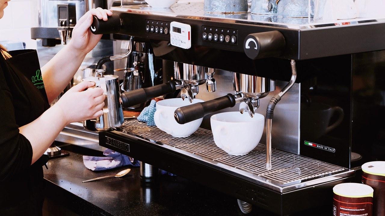 Jaki ekspres do kawiarni i restauracji? Jaki powinien być dobry ekspres dla gastronomii?