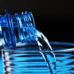 Dostawa wody źródlanej dobiura - czym się kierować wybierając dostawcę?